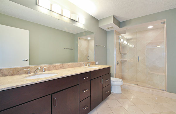 Optima Old Orchard Woods State-of-the-art Bathroom